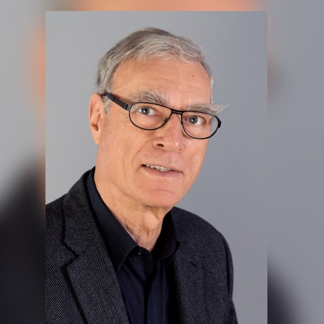 Dr. Andreas E. Urban