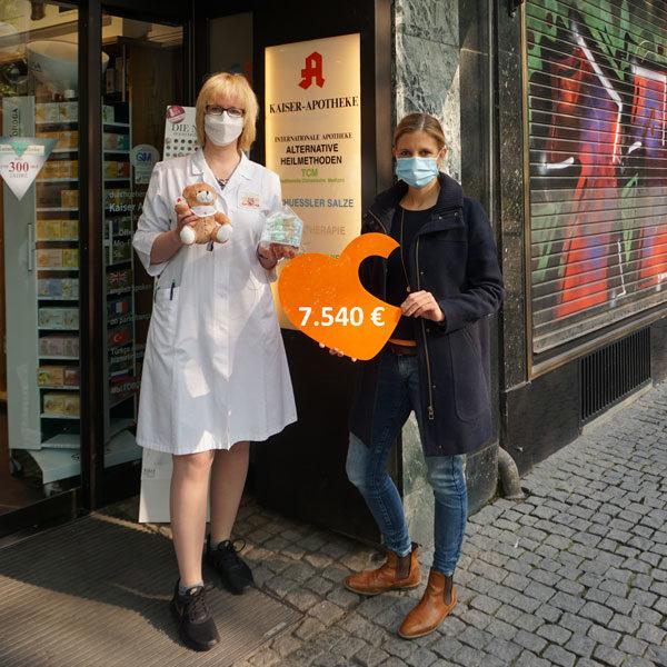 Spendenübergabe Kaiser Apotheke Stefanie Heckeroth